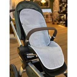 Colchoneta para silla Joolz HUB Picotas puntos gris La Giraffa Bianca e Blu